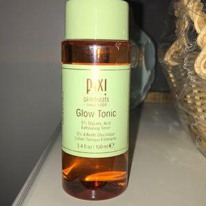 NWT Pixi Glow Tonic